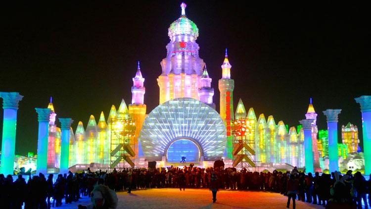 Foto delle sculture dell'Harbin Ice Festival n.30