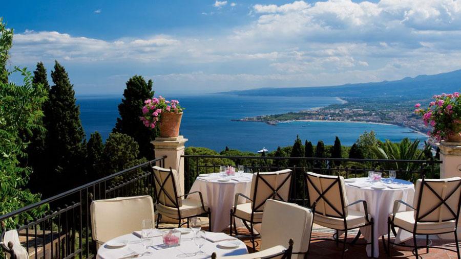 Ristorante terrazza del Belmond Grand Hotel Timeo a Taormina