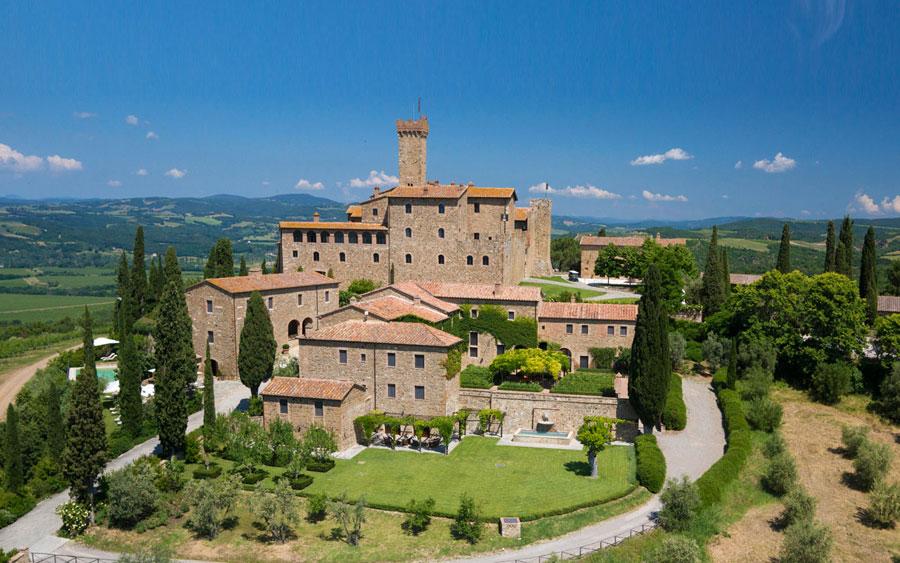 Esterno dell'hotel di lusso Castello Banfi - Il Borgo