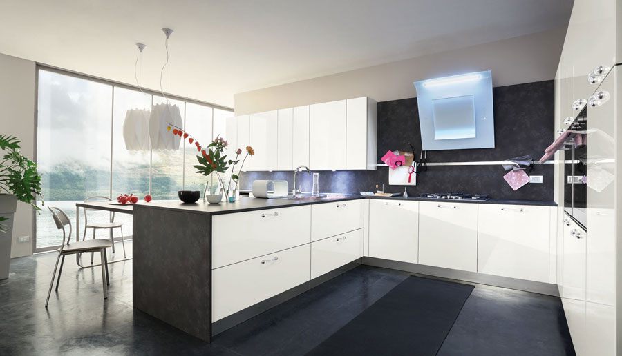 Modello di cucina moderna con penisola n.02