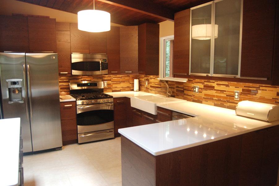 Modello di cucina moderna con penisola n.11