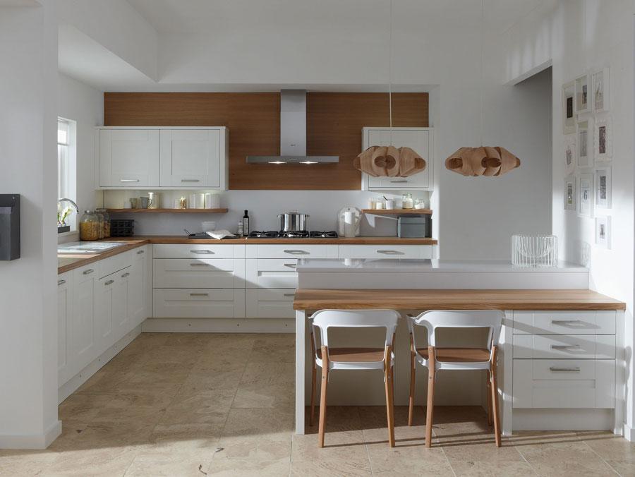 Modello di cucina moderna con penisola n.18