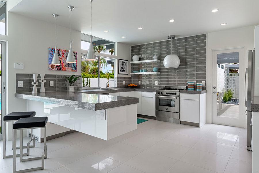 Modello di cucina moderna con penisola n.24