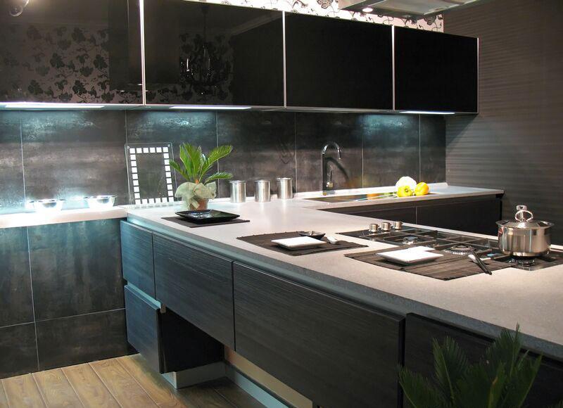Modello di cucina moderna con penisola n.26