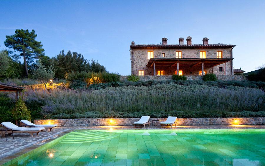 Foto della piscina dell'Hotel Castiglion del Bosco