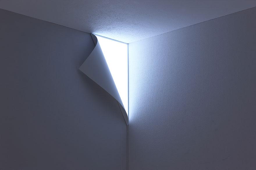 Foto della lampada che riproduce un angolo luminoso n.1