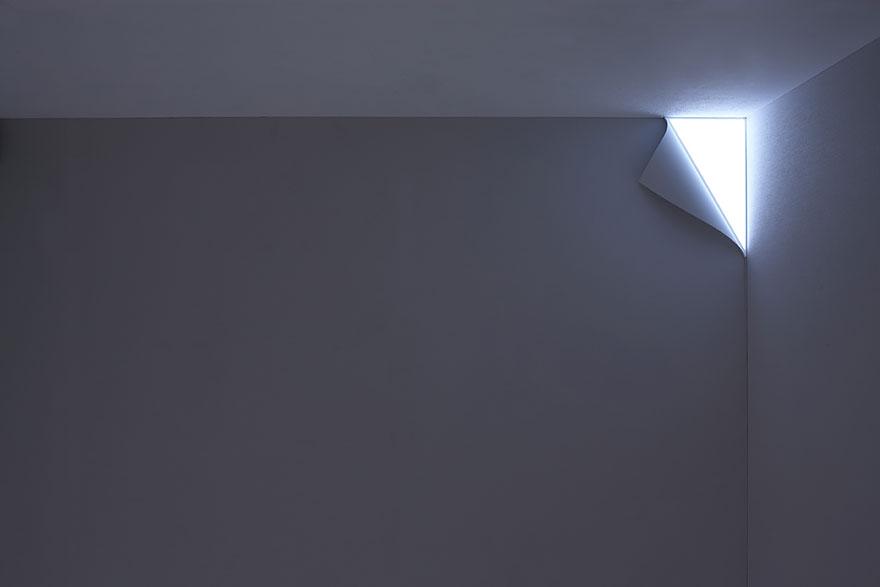Foto della lampada che riproduce un angolo luminoso n.2