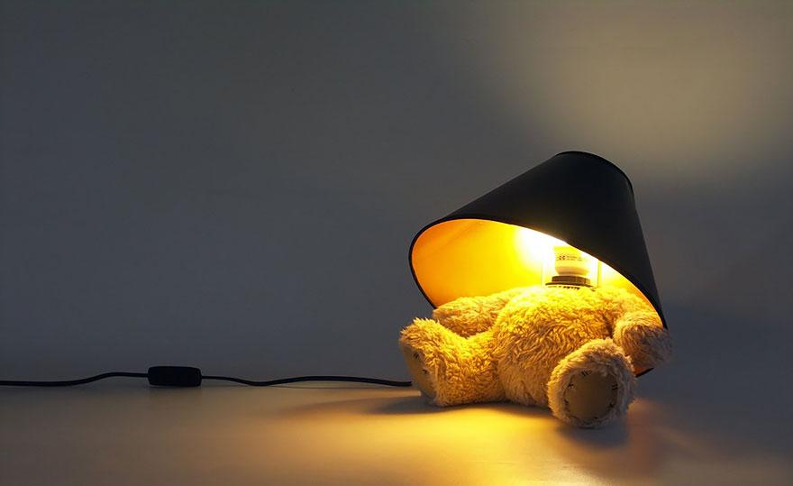 Foto della lampada con base a forma di orsetto n.02