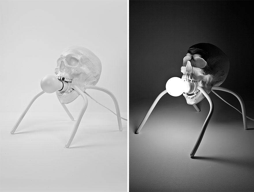 Foto della lampada a forma di teschio