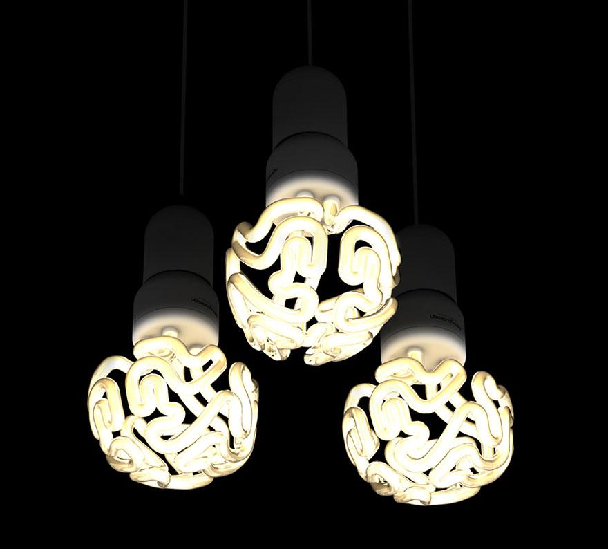 Foto delle lampadine a forma di cervello accese
