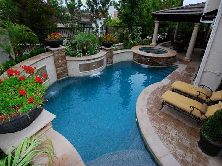 Foto della piccola piscina interra n.04