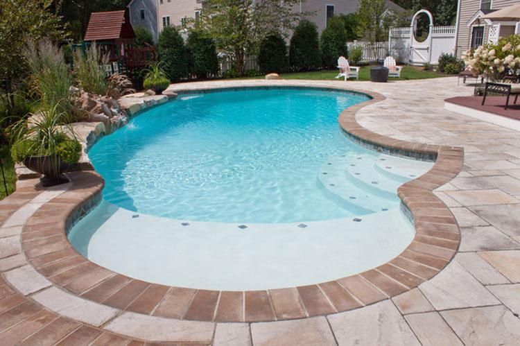 Foto della piccola piscina interra n.05