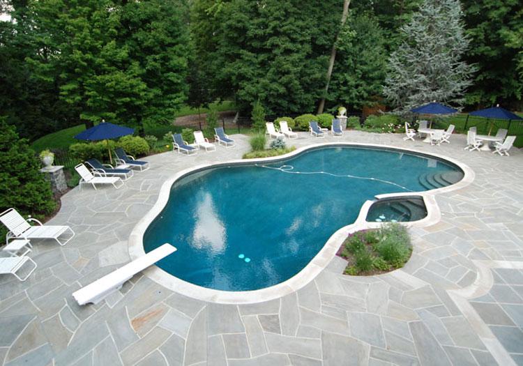 Foto della piccola piscina interra n.14