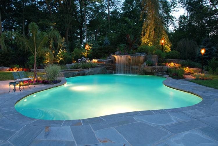 Foto della piccola piscina interra n.18