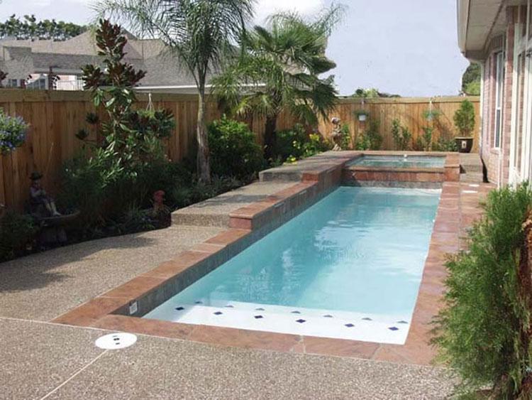 Foto della piccola piscina interra n.19