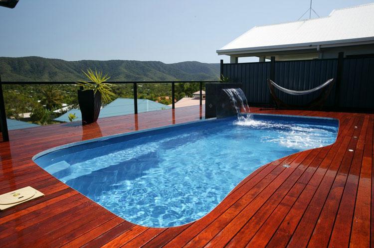 Foto della piccola piscina interra n.22