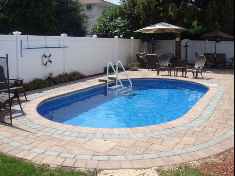 Foto della piccola piscina interra n.23