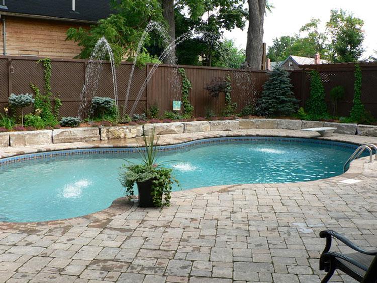Foto della piccola piscina interra n.27