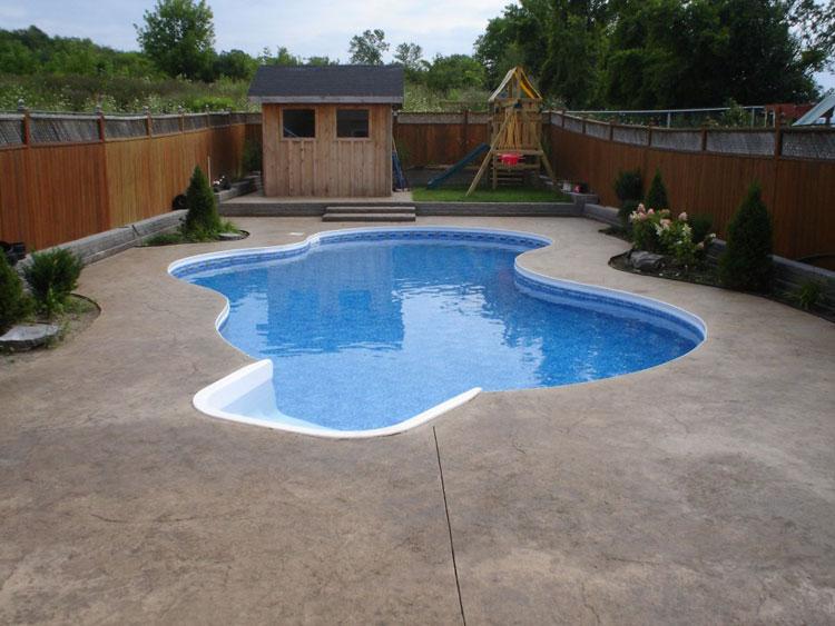 Foto della piccola piscina interra n.31
