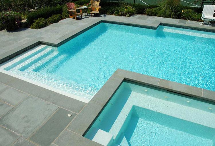 Foto della piccola piscina interra n.34