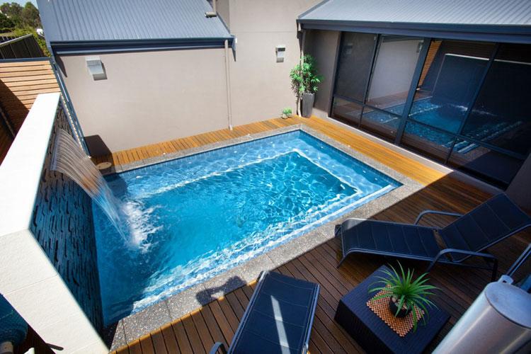 Foto della piccola piscina interra n.35