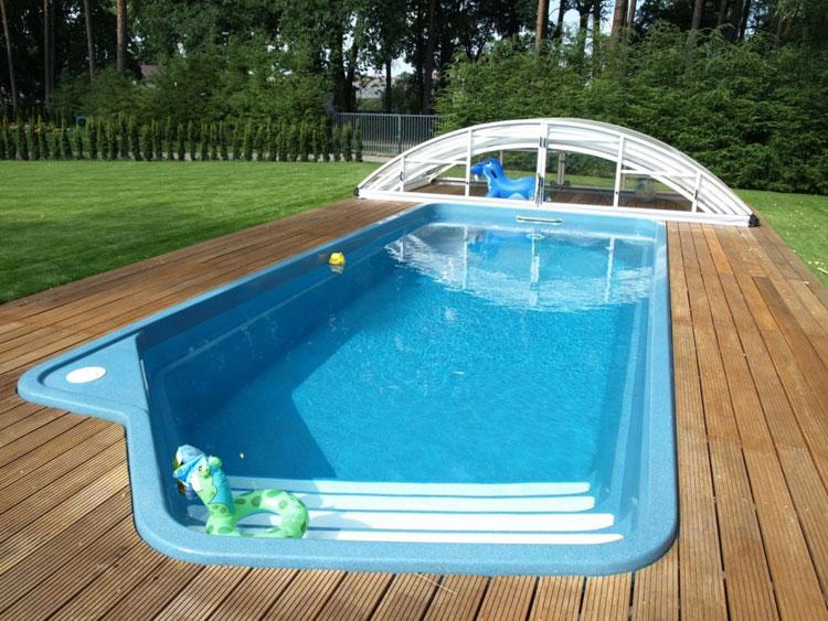 Foto della piccola piscina interra n.37