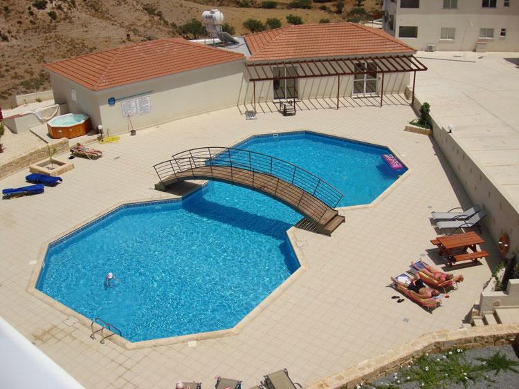 Foto della piccola piscina interra n.41