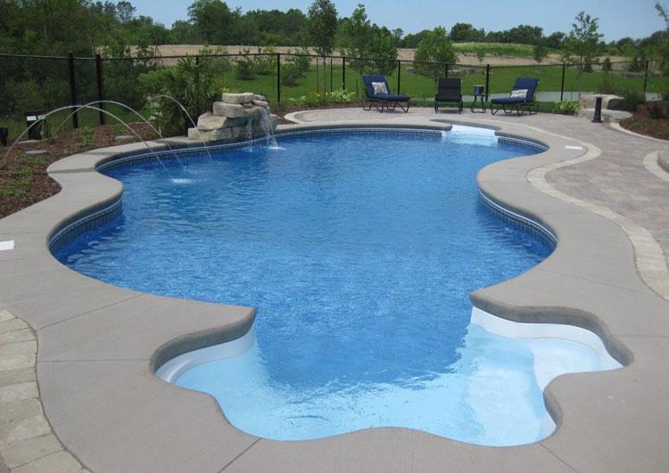 Foto della piccola piscina interra n.42