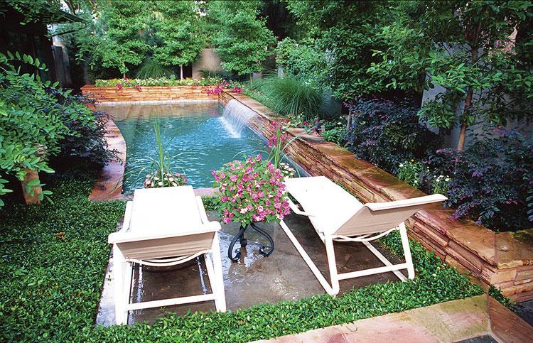 Foto della piccola piscina interra n.47
