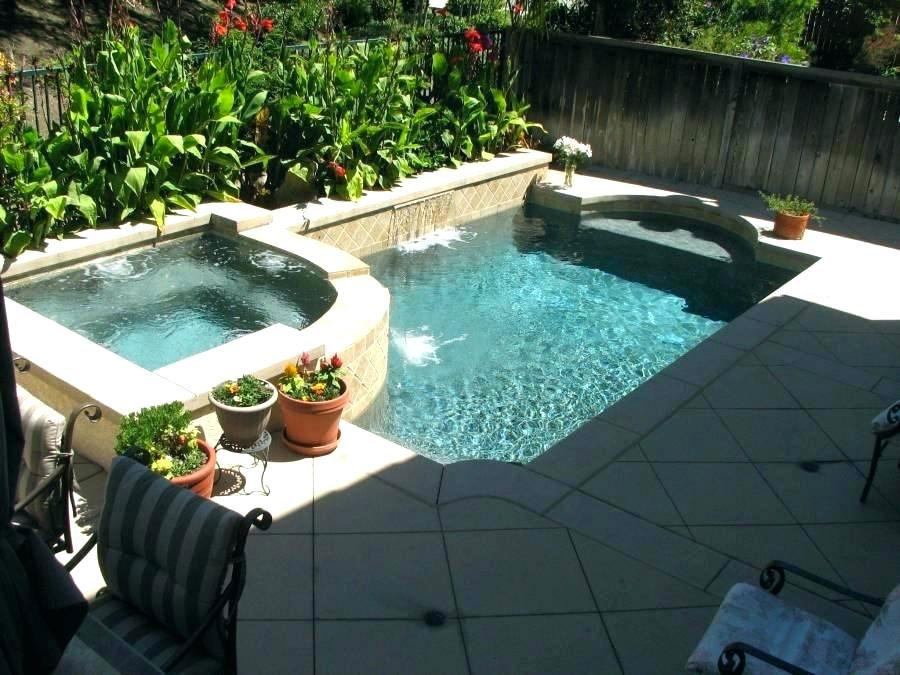 Foto della piccola piscina interra n.52