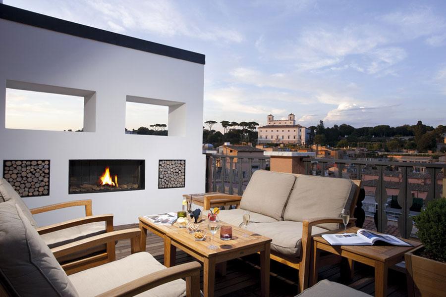 Terrazzo dell'hotel di lusso Portrait Roma