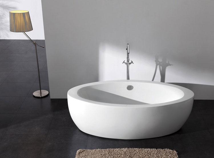 Vasca Da Bagno Moderno : Immagini stock interno del bagno moderno con vasca standalone