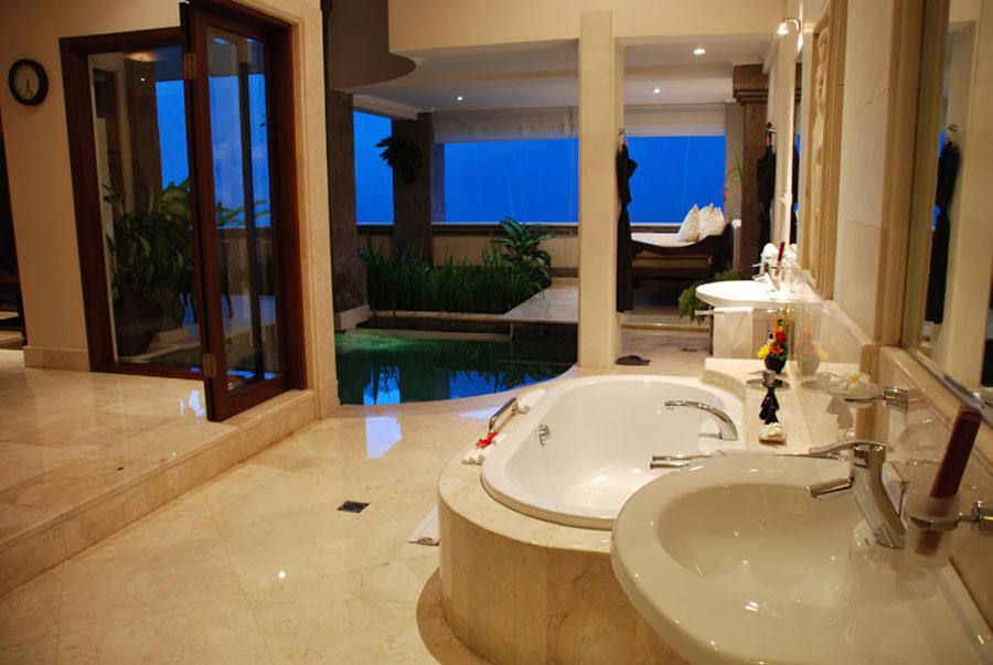 Dettaglio della sala da bagno del Viceroy Hotel di Bali
