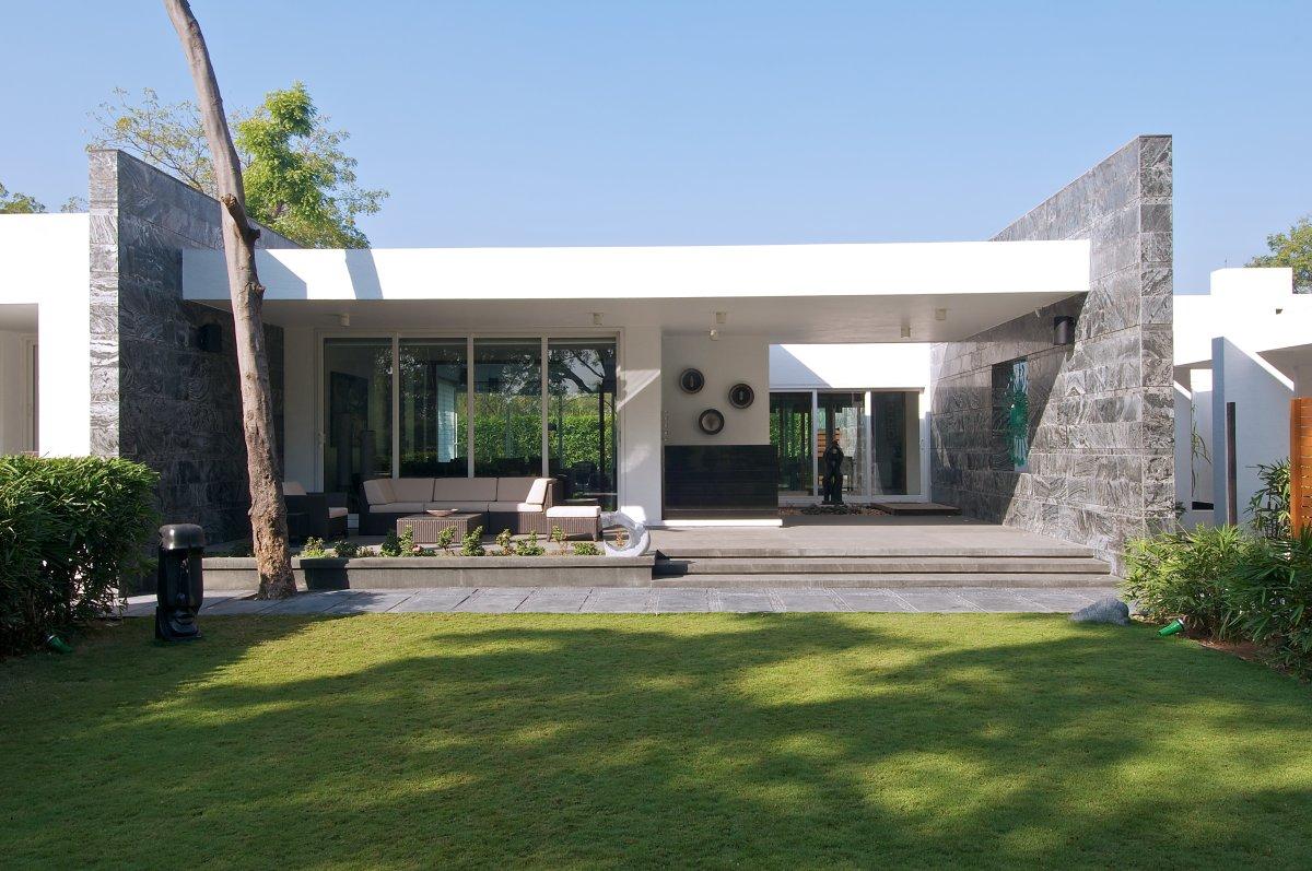 Casa minimalista moderna n.10