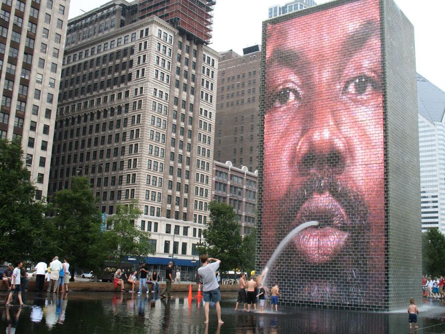 Foto della fontana moderna Crown a Chicago