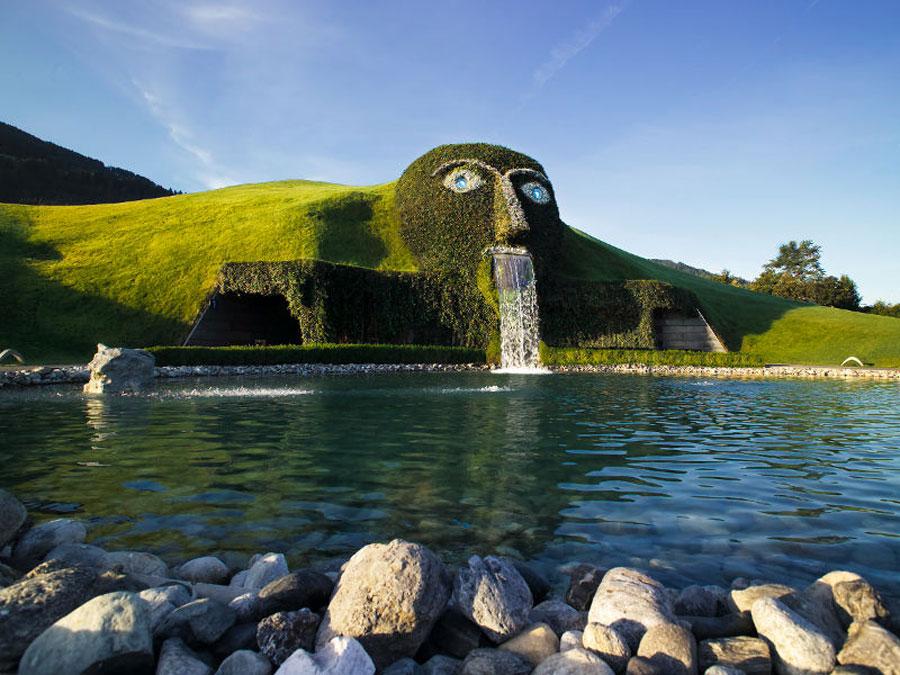 Foto della fontana moderna Swarovski in Austria