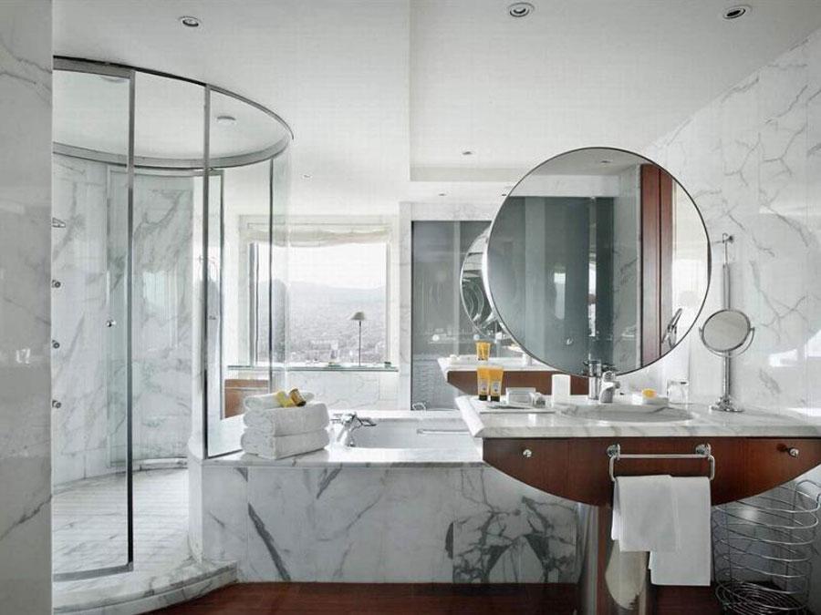 Bagno con doccia doppia dell'Hotel Arts Barcelona