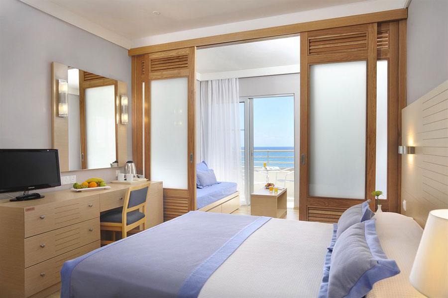 Camera del Louis Ledra Beach Resort