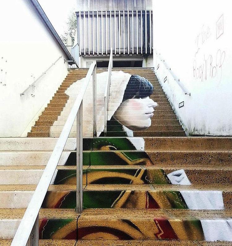 Foto della scalinata dipinta di Morlaix in Francia