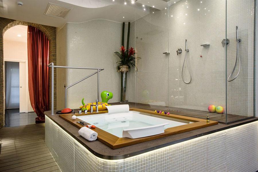 Dettaglio della vasca idromassaggio dell'hotel Suite Sistina a Roma