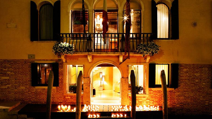 Ingresso dell'hotel Ca Maria Adele a Venezia