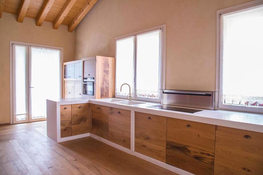 Foto della cucina in muratura moderna n.43