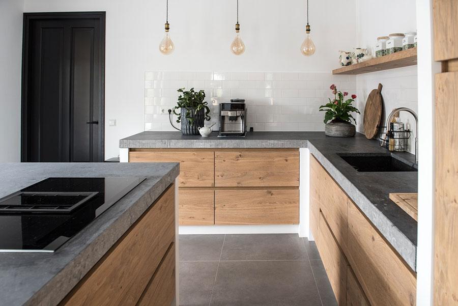 Foto della cucina in muratura moderna n.45