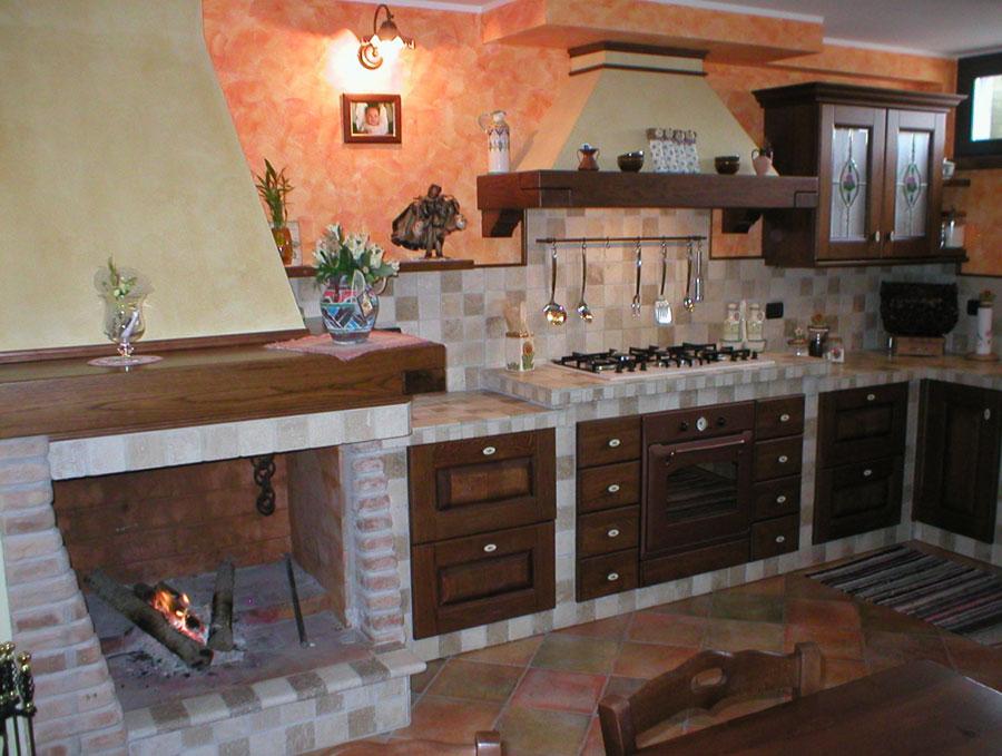 Modello di cucina in muratura rustica n.06