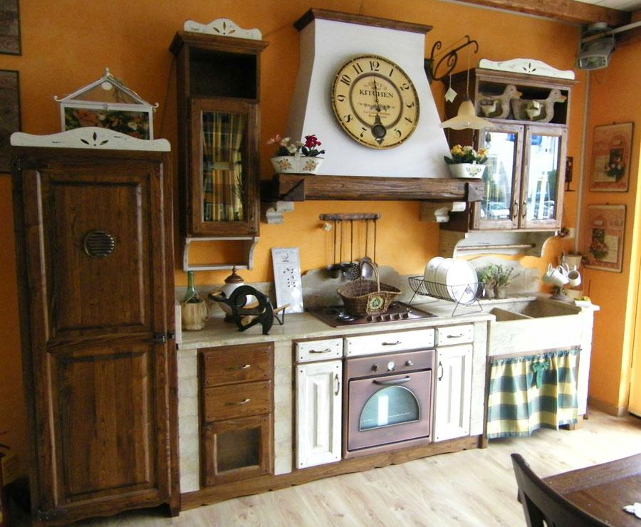 30 cucine in muratura rustiche dal design classico - Tendine per cucina ...