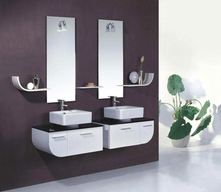 Specchio per bagno dal design moderno n.01