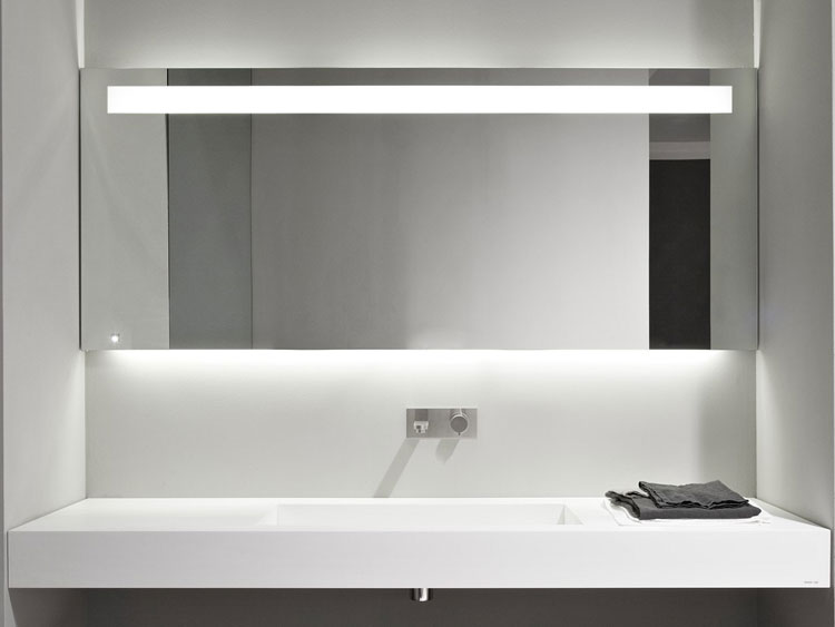Specchio per bagno dal design moderno n.06