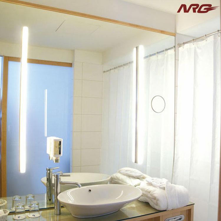 Specchio per bagno dal design moderno n.35