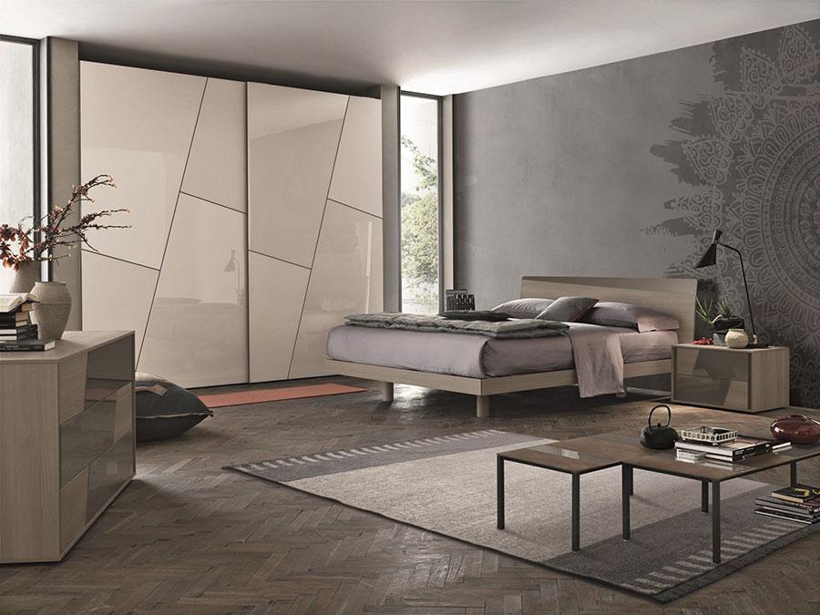 Modello di armadio con ante scorrevoli di Gruppo Tomasella n.01