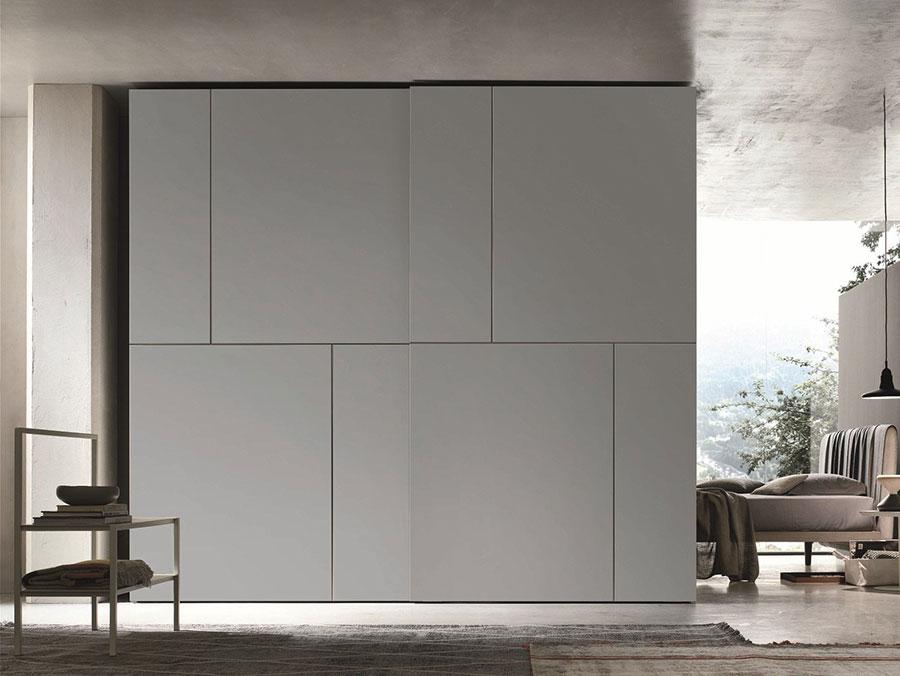 Modello di armadio con ante scorrevoli di Gruppo Tomasella n.08